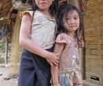 Pretty girls in Ban Long Kout