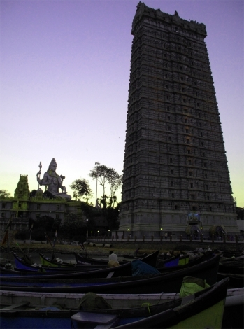 Click here to be taken through to the Murudeshwar photo gallery