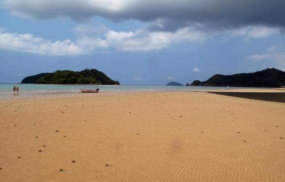 Koh Mak's empty southern beach