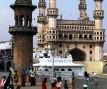 the-charminar-from-the-mosques-grounds