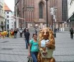claire-with-munichs-transvestite-lion