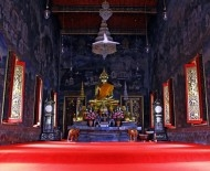 The Buddha at Wat Maha Pruettharam Worawihan, supposedly from Sukhothai