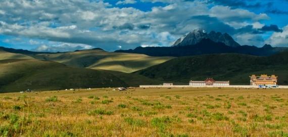 Lhagang Monastery, outside Tagong